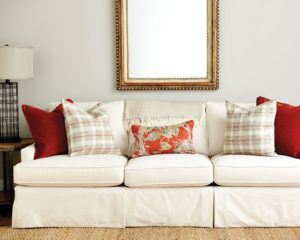 Pillows for sofa Beautiful Guide to Choosing Throw Pillows How to Decorate Photo