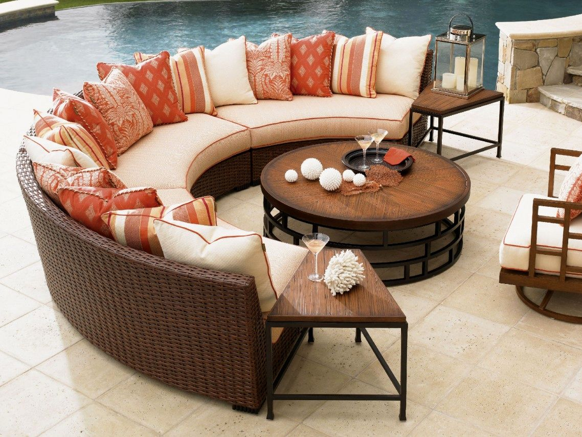 beautiful curved outdoor sofa layout-Modern Curved Outdoor sofa Photograph